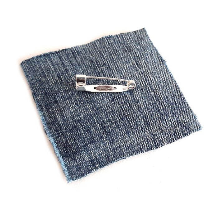 4631 broszka haft krzyżykowy rękodzieło