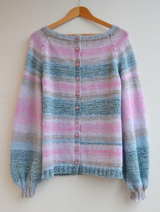 Pastelowe barwy sweter z bufiastymi rękawami