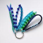 Brelok koralikowy niebieski - oryginalny i ciekawy dodatek do kluczy