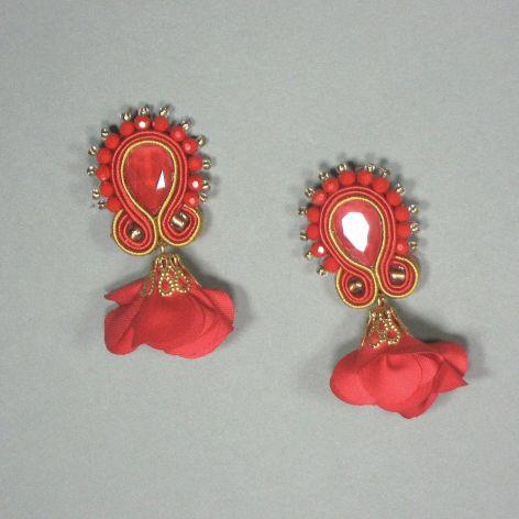 Maki - kolczyki sutasz czerwone z kwiatkiem