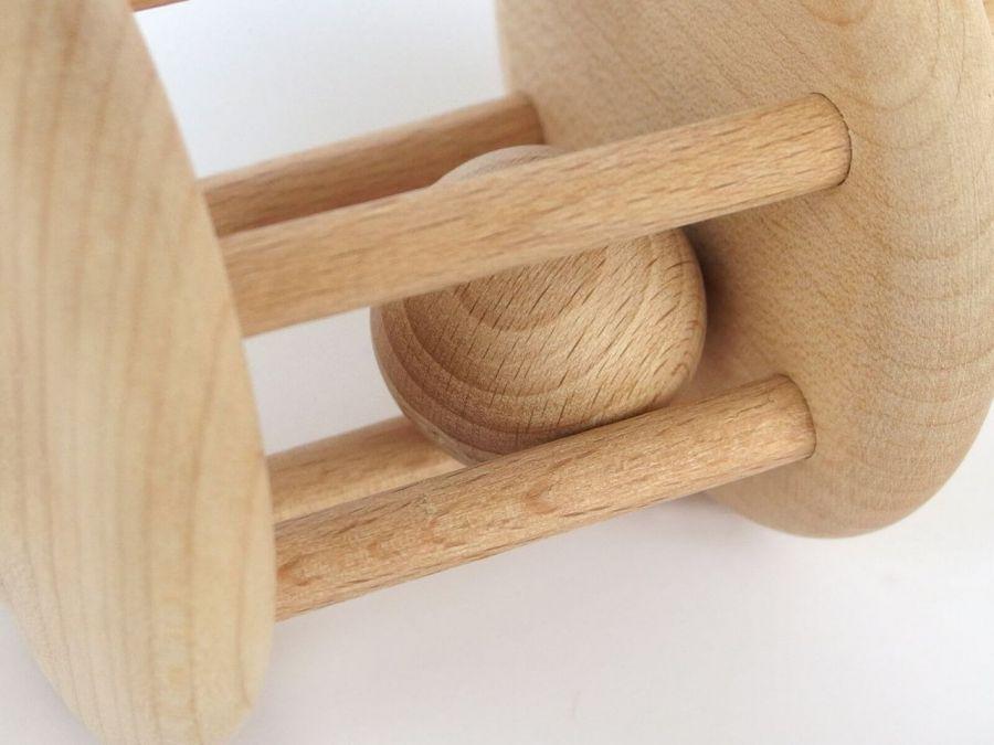 Grzechotka drewniana, zabawka Montessori - Dostarcza cenne dla prawidłowego rozwoju bodźce wzrokowe, słuchowe i dotykowe.