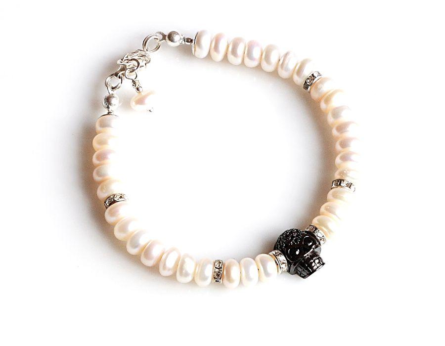Czaszka w perłach - bransoletka - biała bransoletka