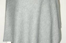 Klasyczne gładkie ponczo jasno-szare.
