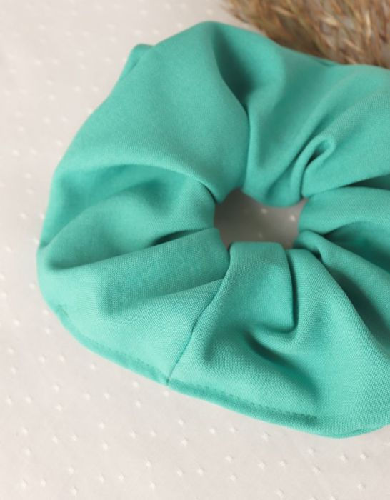 Turkusowa frotka do włosów gumka do upięć fryzur - Scrunchies idealne na prezent