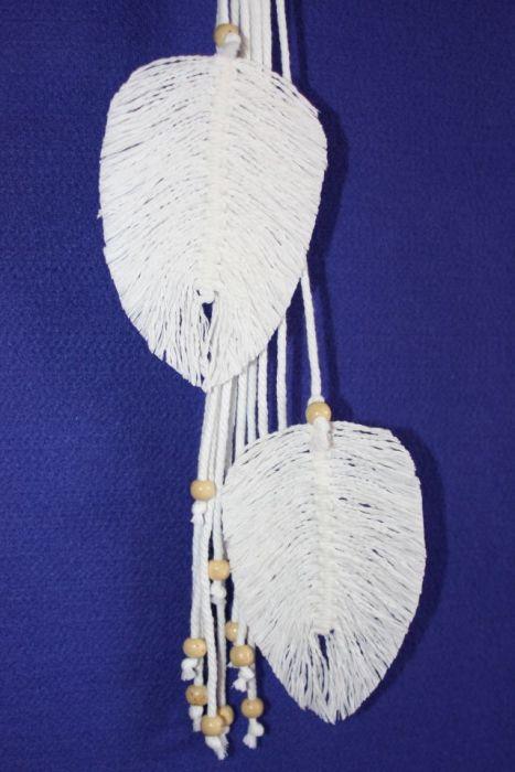 Kwietnik z makramowymi listkami
