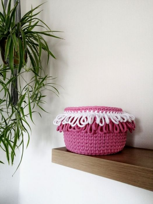 Koszyk na szydełku, koszyk ze sznurka róż