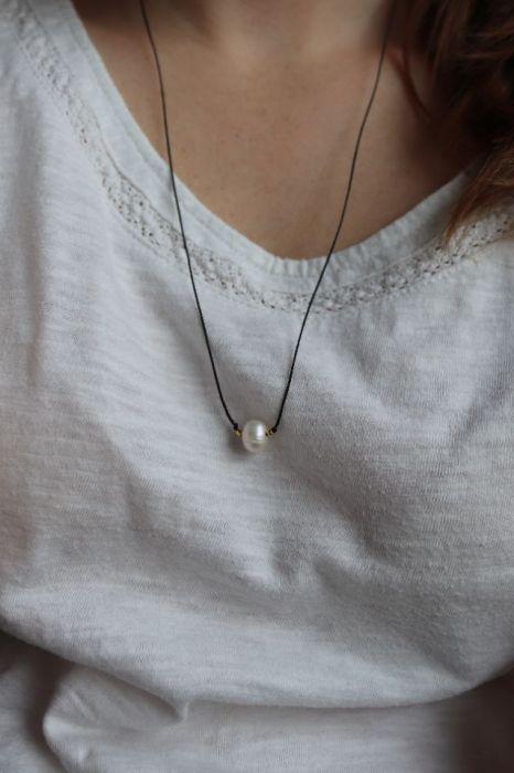 Relva czarny naszyjnik z perłą