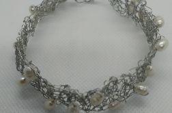 Bransoletka szydełkowa z naturalnymi perłami