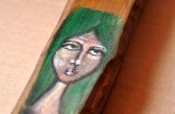 Anioł z zielonymi włosami