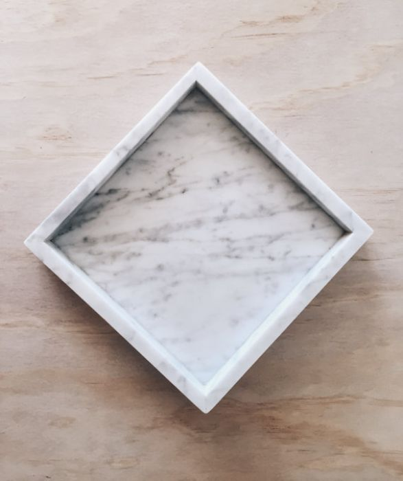 Taca z marmuru Bianco Carrara 25 x 25 cm
