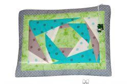 Kosmetyczka patchworkowa zielona