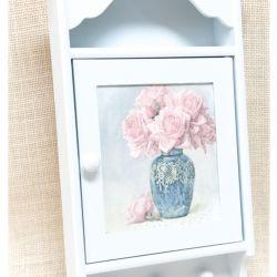 Błękitna szafka na klucze Róże