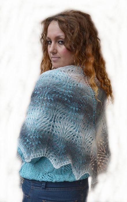 W odcieniach szarości  -ciepła duża chusta