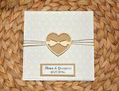 Zaproszenia ślubne z drewnianym sercem