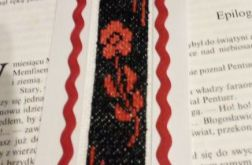 Zakładka do książki -haft - czerwony kwiat