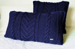 Granatowa poduszka wałek w warkocze 60 x 30