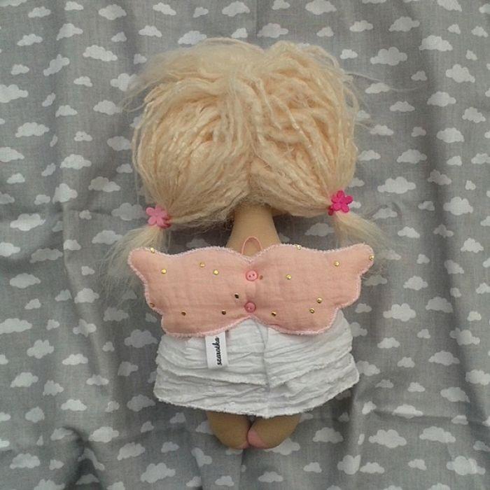 ANIOŁEK lalka - dekoracja tekstylna, OOAK/35 - tak wyglądam z tyłu