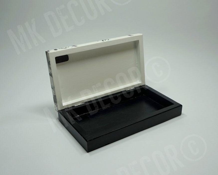 Drewniane prostokątne pudełko/szkatułka - szkatułka - środek