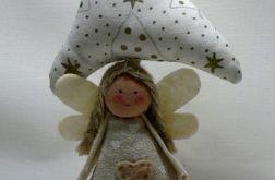 Choinka z aniołkiem