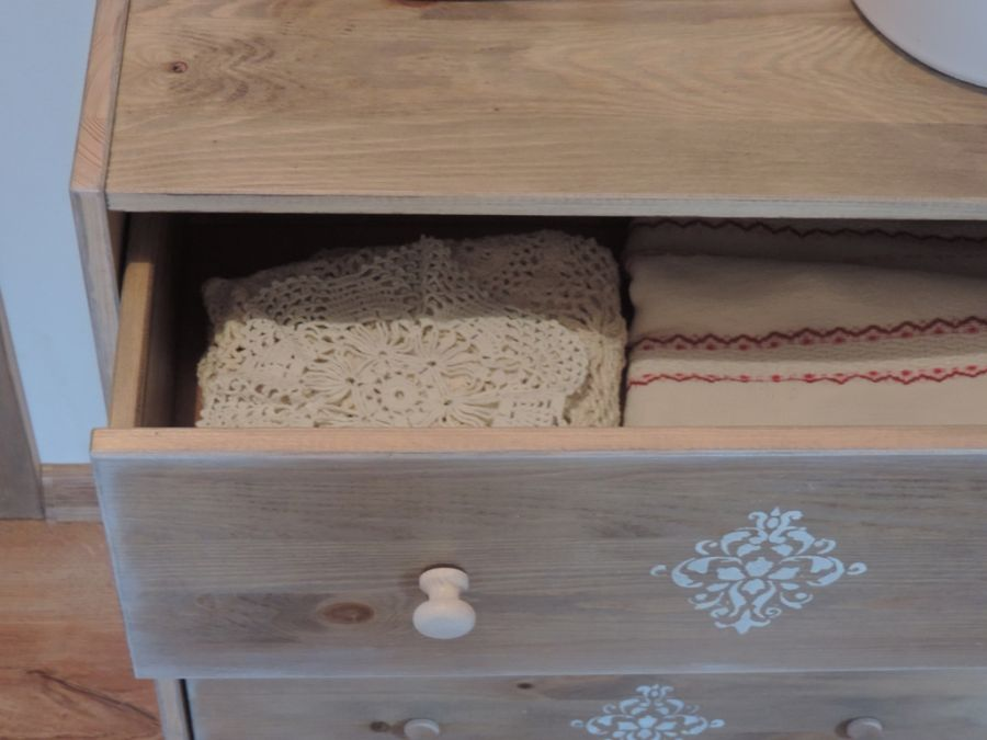 Komoda ręcznie malowana,dąb rustykalny