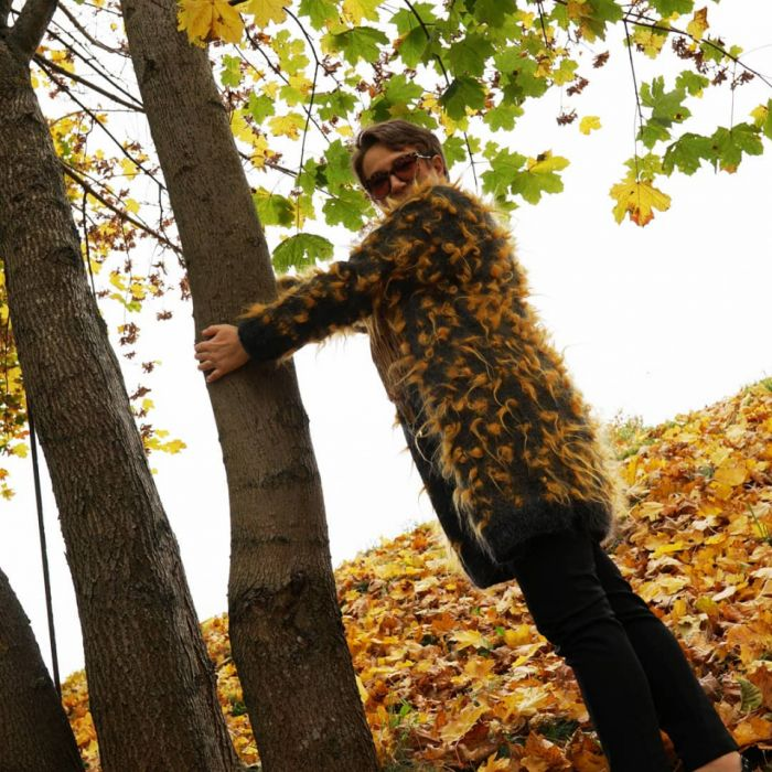 Atrakcyjny i ciepły sweter.  - Ciepły idealny na jesień
