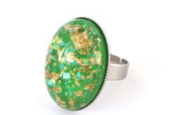 Pierścień z Zielonym Oczkiem z Żywicy