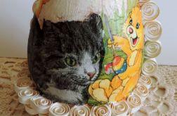Kociak i przyjaciele - jajo w koszyczku