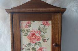 szafka na klucze z angielskimi różami