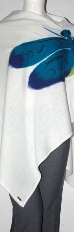 Ponczo wełną zdobione ważka