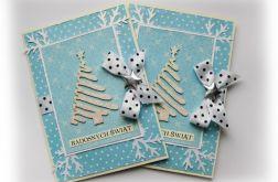 Niebieska kartka świąteczna z choinką