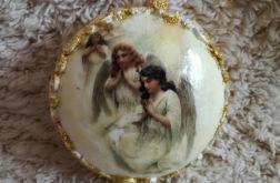 Medalion plastikowy z aniołkami 1