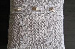 Poszewka robiona na drutach - jasny beż