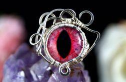 Różowe oko, srebrny pierścionek ręczn