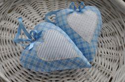 Dwa niebieskie romantyczne serduszka