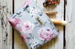 Szara kosmetyczka w róże