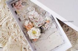 Kartka ślubna w pudełku, 590