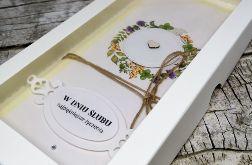 Ślubna kartka w pudełku