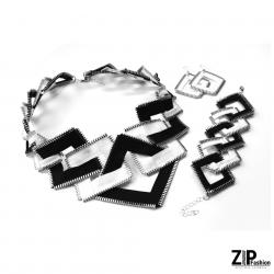 Bogaty komplet biało-czarnej biżuterii