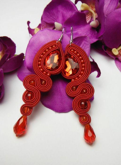 Soutache sutasz kolczyki czerwone długie - czerwone kryształowe kolczyki