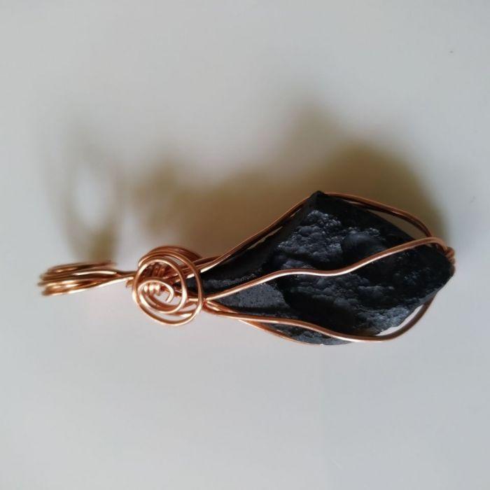 Wisiorek z naturalnego meteorytu i miedzi - Energetyczny wisiorek z meteorytu