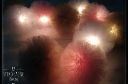 Świecąca girlanda z pomponów tiulowych
