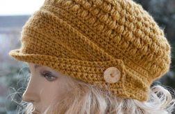 W kolorze musztardowym kaszkiet -czapka z daszkiem,unikalna i cieplutka ;o)