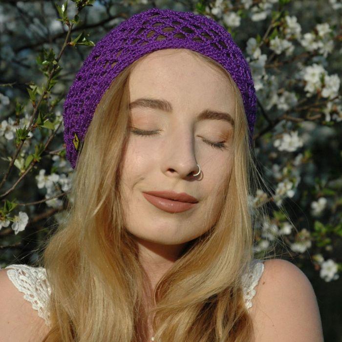 czepek fioletowy ażurowy