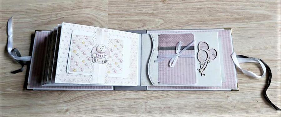 Album dla dziewczynki w pudowym różu