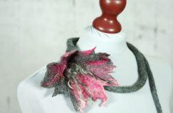 Naszyjnik z filcu Szary Kwiat