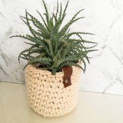 Koszyk ze sznurka bawełnianego kremowy.
