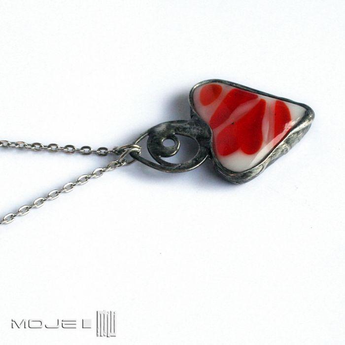 Serce w czerwieni i bieli - serduszko na szyję