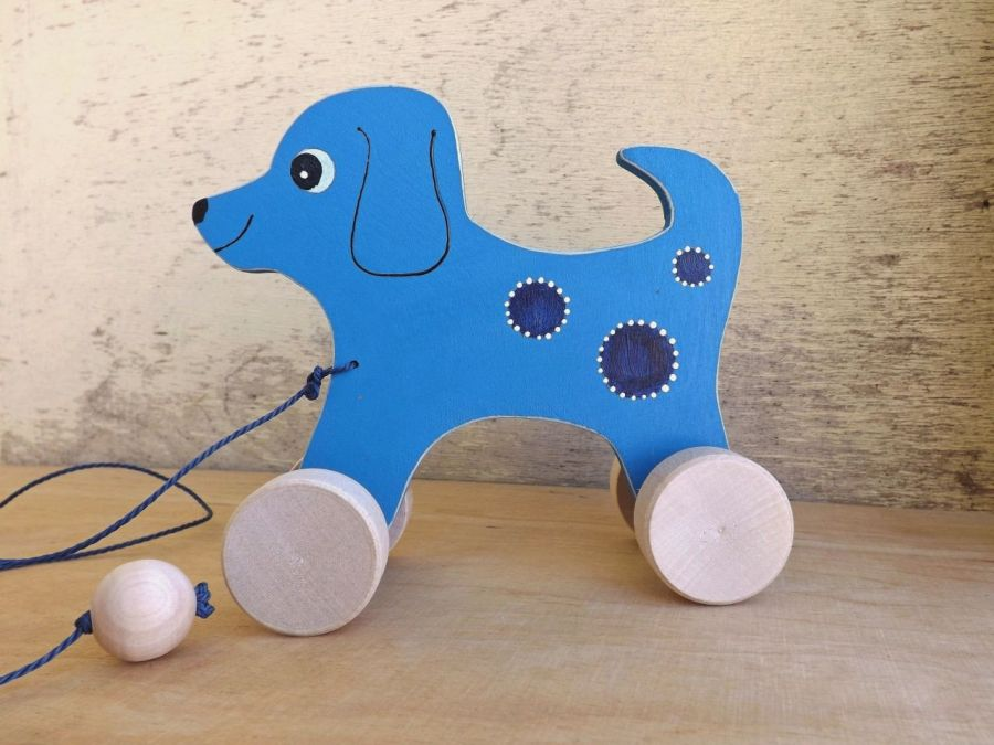 Drewniany piesek do ciągania, błękitny - Piesek błękitny jak niebo