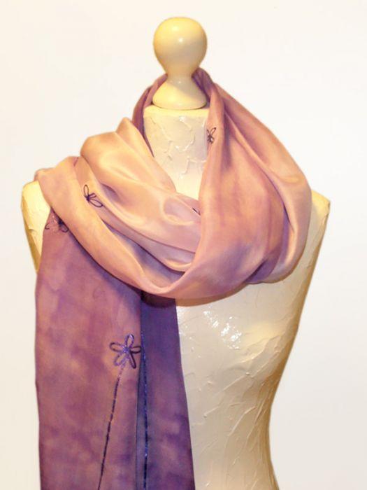 Obszerny jedwabny szal violet