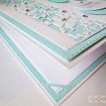 Kartka PAMIĄTKA CHRZTU biało-niebieska #2 /Z - Biało-niebieska kartka na Chrzest w ozdobionej kopercie